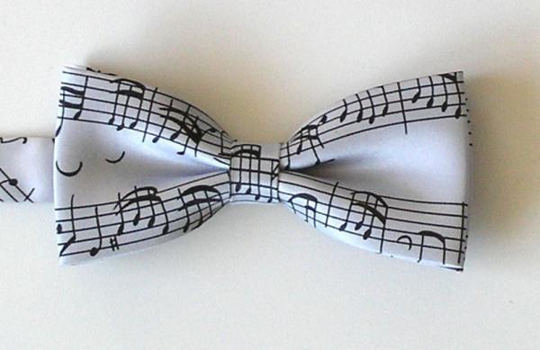 """Fliege """"Bach Notenschrift"""" silbergrau"""